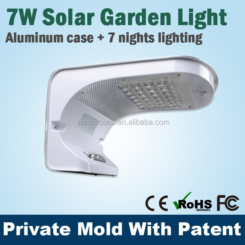 7W 700 Lumens Rechargeable Outdoor Small Color Changing Led Solar Light Lamp