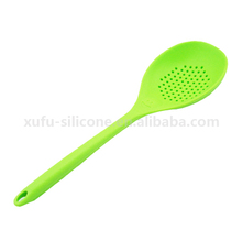 long handle silicone spoon , silicone meal spoon, silicone soup ladle