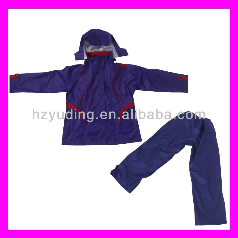 High quality purple Polyester coated PVC rain suit in two pieces