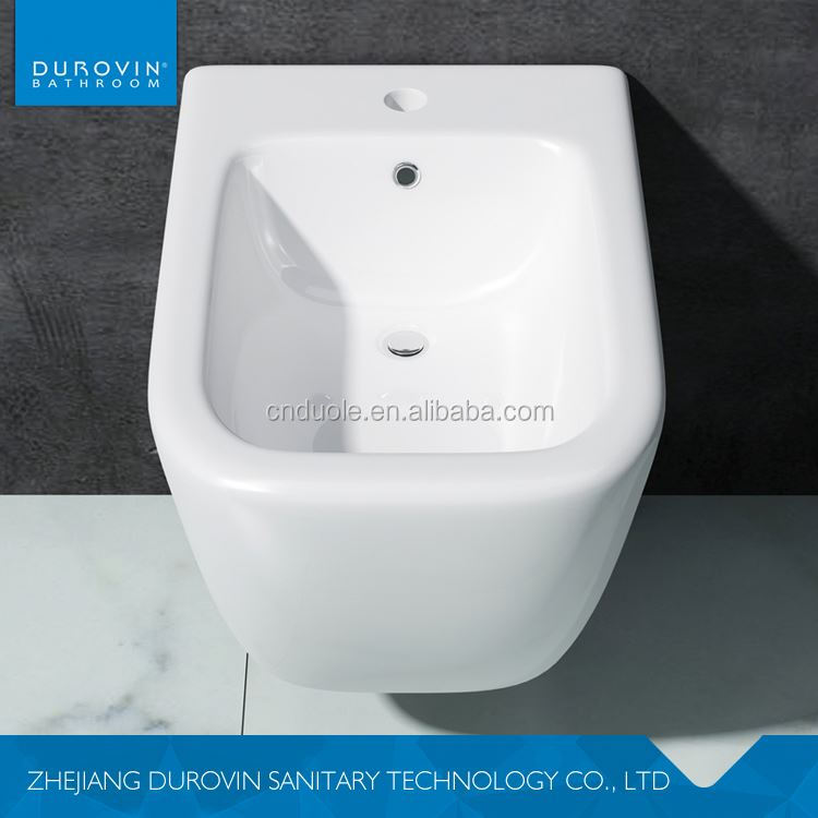 Latest product custom design bath and toilet equipments with different size