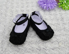 New design baby hard sole walking shoes rosette baby shoes for sale