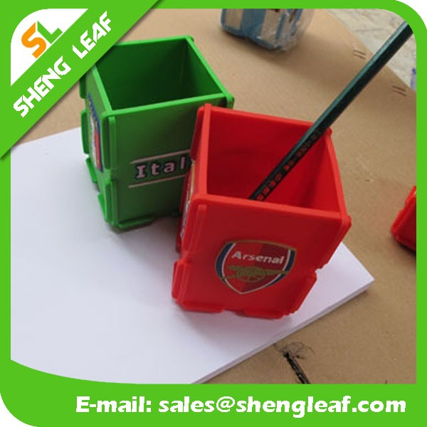 2016 hot saled office kids plastic rubber desk pen holder container fast delivery