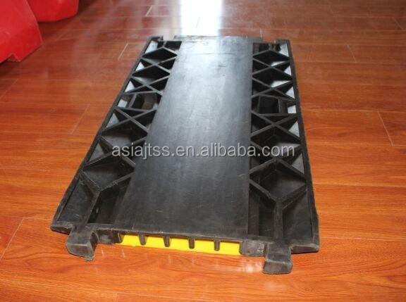 Heavy Duty rubber cable protector 5 channel with CE