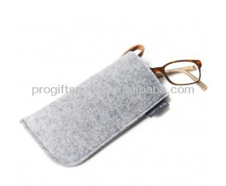 2018 hot sell eco wholesale high quality handmade fabric glass bag pouch shape decoration felt kids eyeglass case made in China