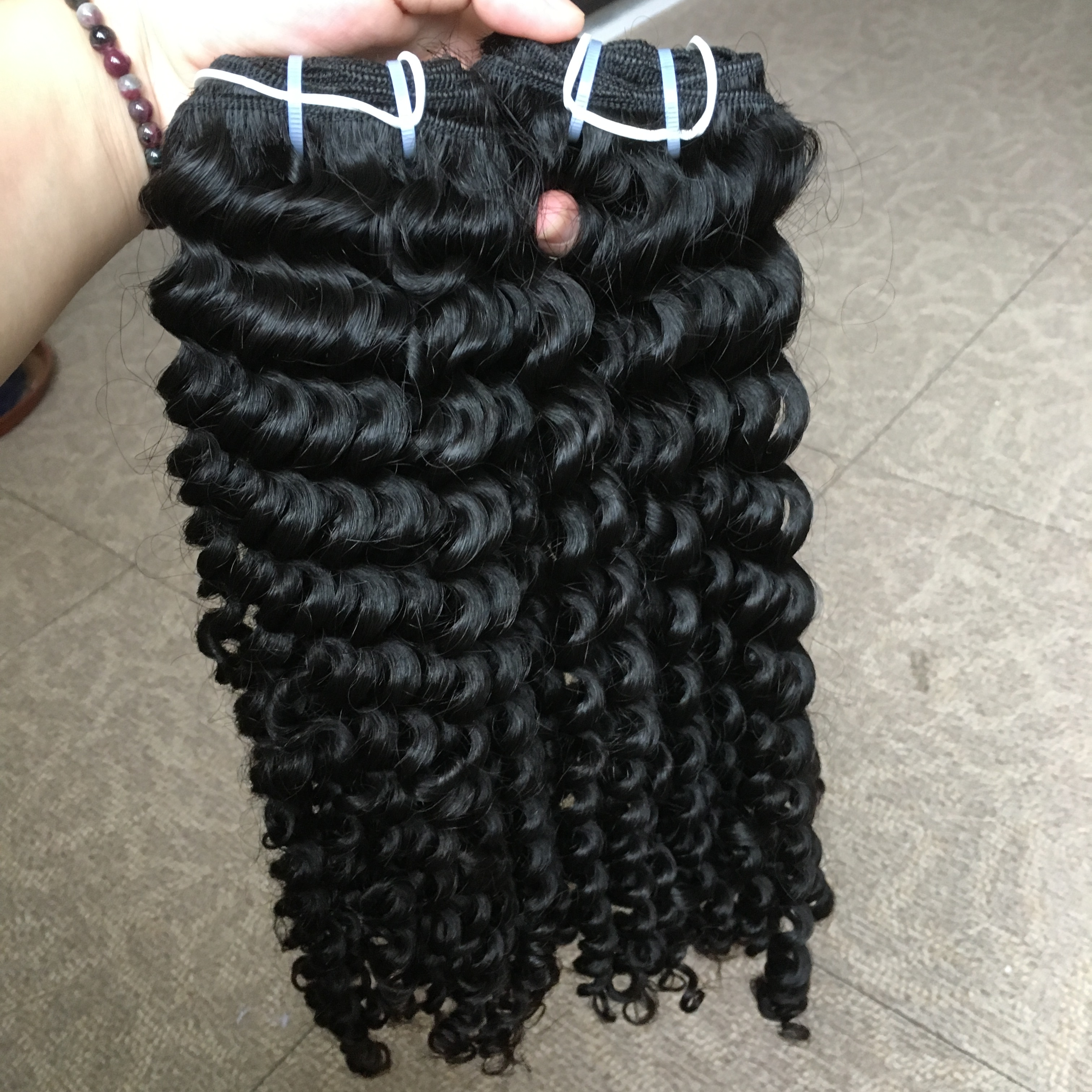 The best selling curly human <strong>hair</strong> raw indian <strong>hair</strong> unprocessed virgin cuticle aligned <strong>hair</strong> from india