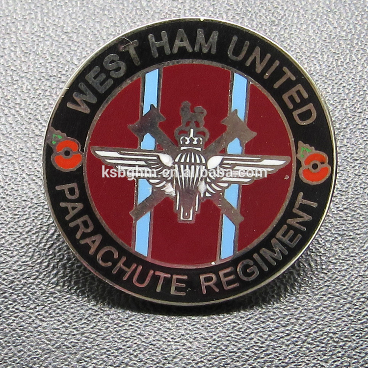 Custom high quality football club badge/imitation hard enamel football badge/sports trading pin