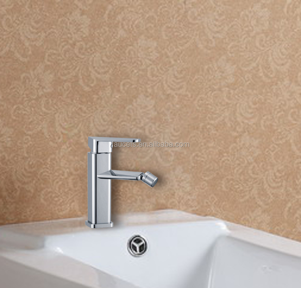 Chrome Brass Single Handle Bidet Faucet with Hot and Cold Water Supply
