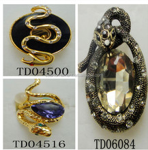 Fashion Man's Design Alloy Stretch Big Crystal Snake Rings Gold/Antique Gold Snake Different Pose/Style Purple Ring For Women