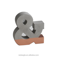 Single design free standing concrete alphabet letter for home decoration
