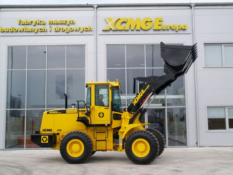 WHEEL LOADER XCMG ZL30G CE 68000 USD