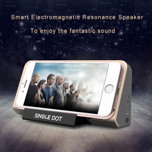 2017 new design Lovely smail face High-end mobile phone amplifying portable plastic induction speaker with stand