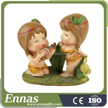 Manufacturer supplier Love cute resin figurines home decoration