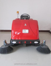 Dust cleaner ride-on vacuum road sweeper