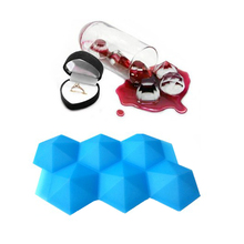 Amazon Hot Selling Ice / Cake Mold Diamond Silicone Ice Cube Tray