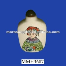 Hand painted useful ceramic snuff box
