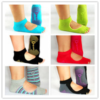 Hot selling Men and Women Professional Yoga Socks Five Fingers Antiskid Backless Five Toe Socks Yoga Sports Socks Fitness