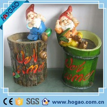 Popular resin seven dwarf statue gnome figures for handing garden decoration ornament
