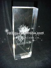 2015 Beautiful Flower Engraved 3D Laser Crystal For Wedding Souvenirs
