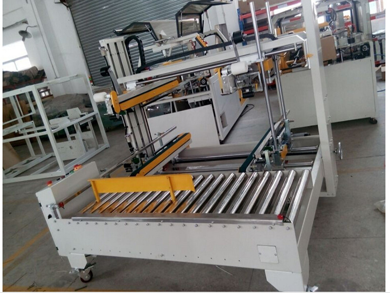 Semi-Automatic Carton Sealing machine with tape