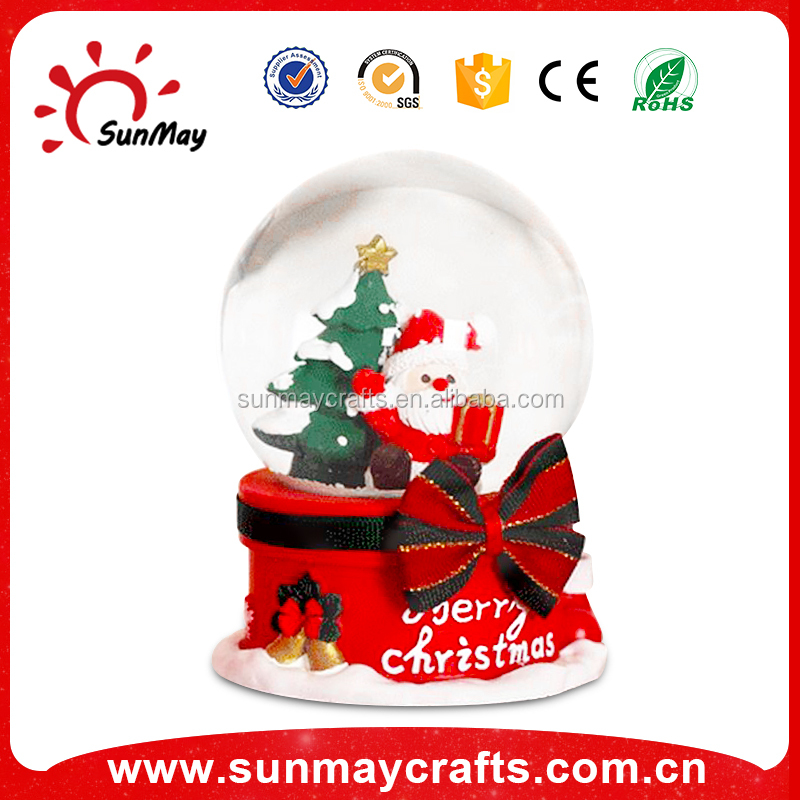 polyresin Christmas snow globe ornament