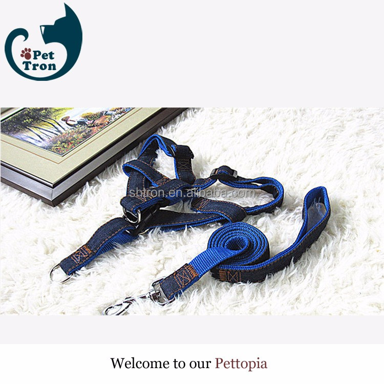 Blue Oxford fabric jean dog collar and leash