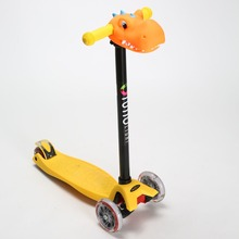 Custom New Decoration for Kick Kids Scooter with flashing wheels