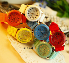 2014 China popular FASHION Geneva Silicone Watch for ladies