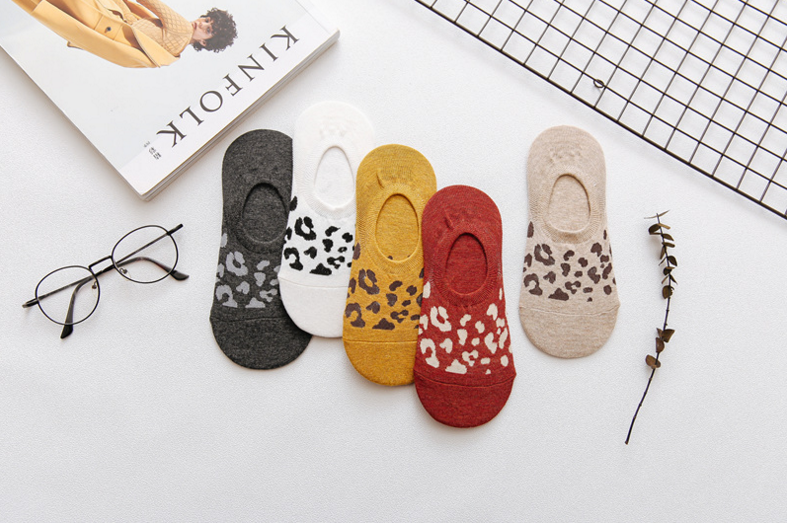 Female invisible socks leopard pattern silicone non-slip socks girls summer cotton socks women short wholesale Korean socks