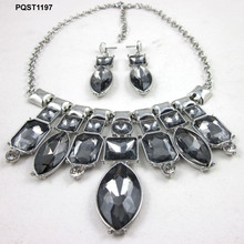 Newest design delicate women black big diamond necklace sets
