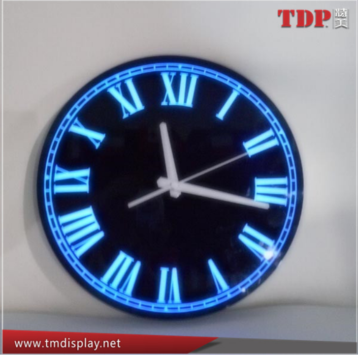 China directly manufacture black round Acrylic Decorative LED Wall Clocks with rechargable battery