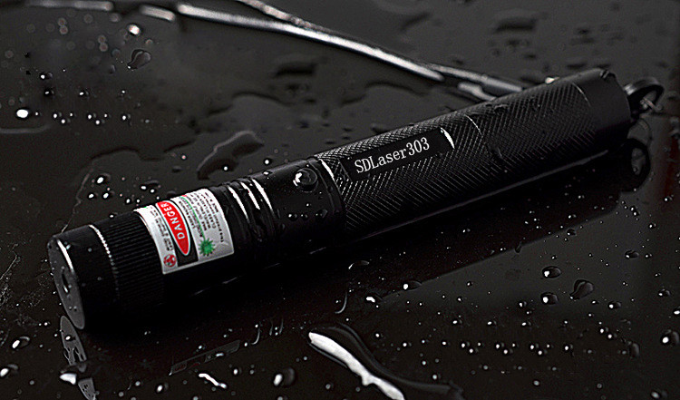 Red Lazer Pointer Laser 303 650nm Red Laser Pointer Adjustable Focal Length + 18650 battery and charger