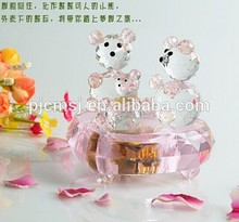 New Design - Beautiful Pink Crystal Teddy Bear Music Box For Wedding Favor 2015