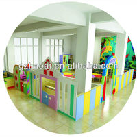 HL-09703 Plastic doll house