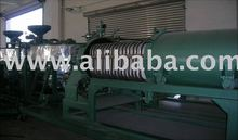 Engine oil regeneration machine