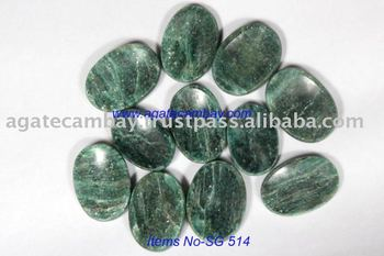 Green Mica [zade]Worry Stone