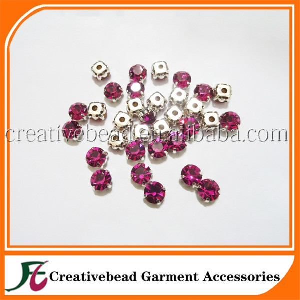 High Quality Round Shaped Crystal Rhinestones With Metal Clow
