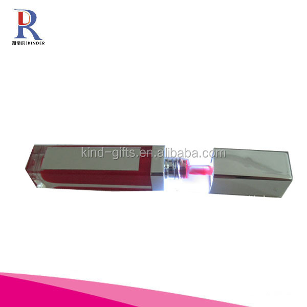 Light up lip gloss with mirror