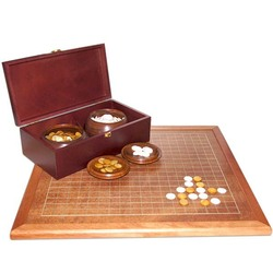 agate stone crafts chess with wooden box and plate