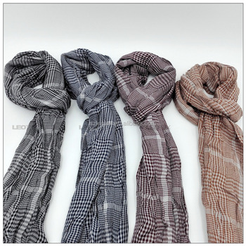Good quality Acrylic woven scarf with classic check patterns for men