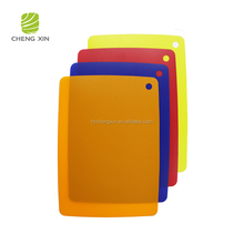 2018 hot sale different color cheap thin industrial plastic cutting board