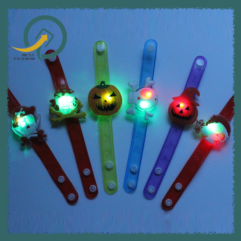 2017 New Anime Halloween Decorative Supplies Lighting Watch Child Gift Luminous Watch Bracelet Flash Child Toy Gift
