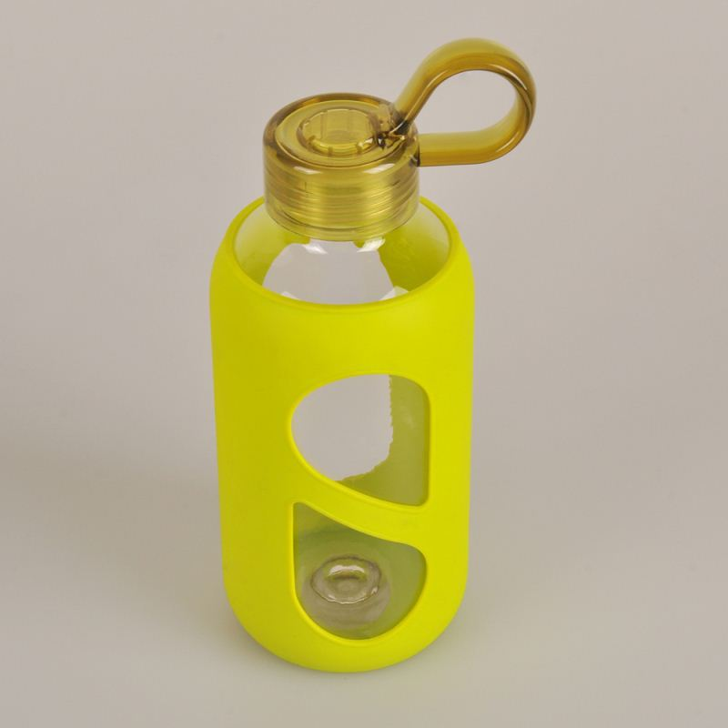 2015 new products healthy insulated glass water bottle with silicone sleeve