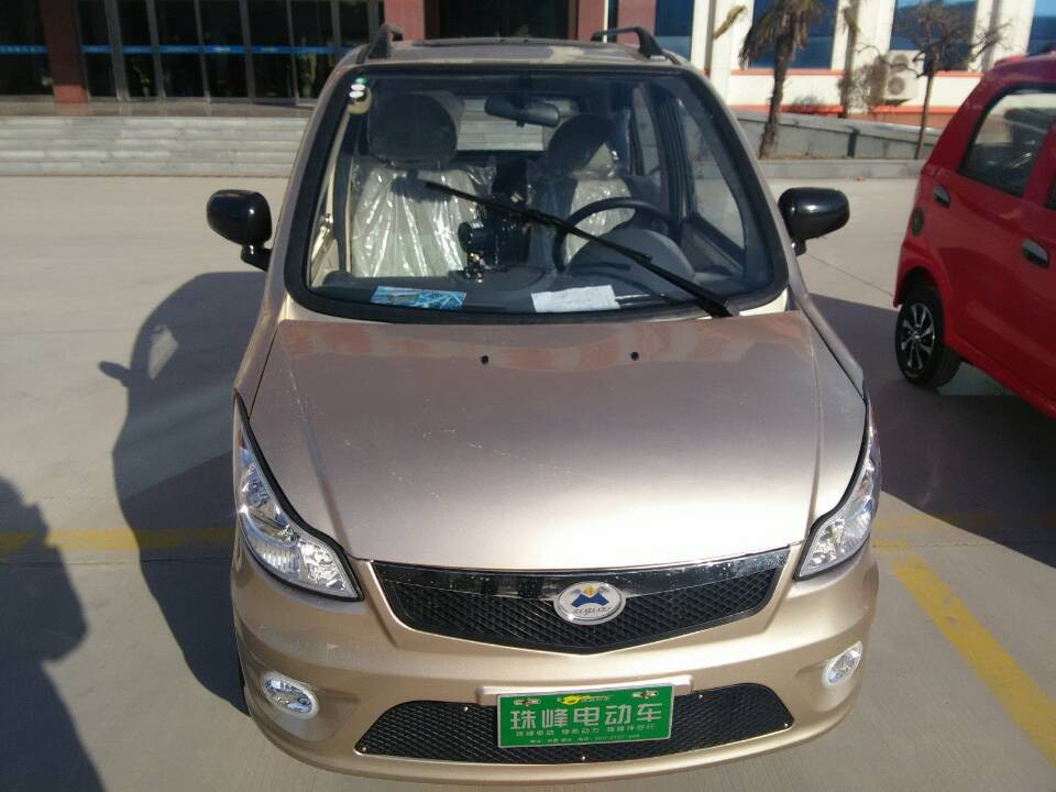 RHD good quality factory made electric passenger car