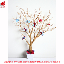 Near natural manzanita tree for wedding table wedding decoration centerpieces