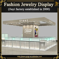 High-end glass display case to display jewelry