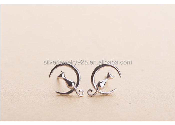 925 sterling silver cat sit on the moon design stud earring