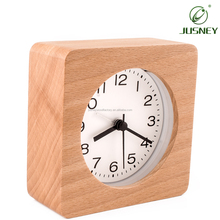 2018 OEM Custom Square Battery Powered Wooden Silent Digital Bedroom Nightlight Table Alarm Clock Home Decorative Desk Clock