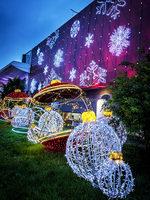 Waterproof LED Christmas Motif Cross Street Light with flash 3D ball Motif Light Decoration