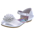 Hottest design comfortable cute beautiful flower decoration silver color flat leather children shoe customized in guangzhou