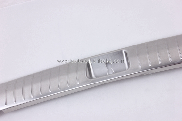 Inner Rear Bumper Thresholds Sill Foot Plate Stainless Steel Accessories 1Pcs Car Parts For KI-A SPORTAGE KX5 2016 2017